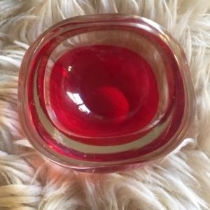 Cenicero Rojo 2